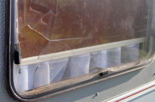 defektes Wohnwagenfenster tauschen