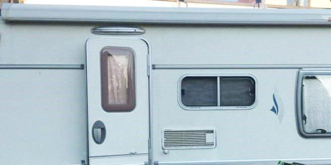 wohnwagen t rfenster neu einkleben einbauen bzw nachr sten. Black Bedroom Furniture Sets. Home Design Ideas