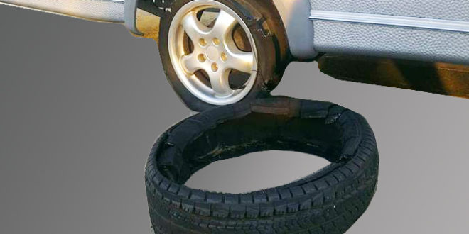 Reifenplatzer beim Wohnwagen - Jetzt brauchen Sie ein Ersatzrad