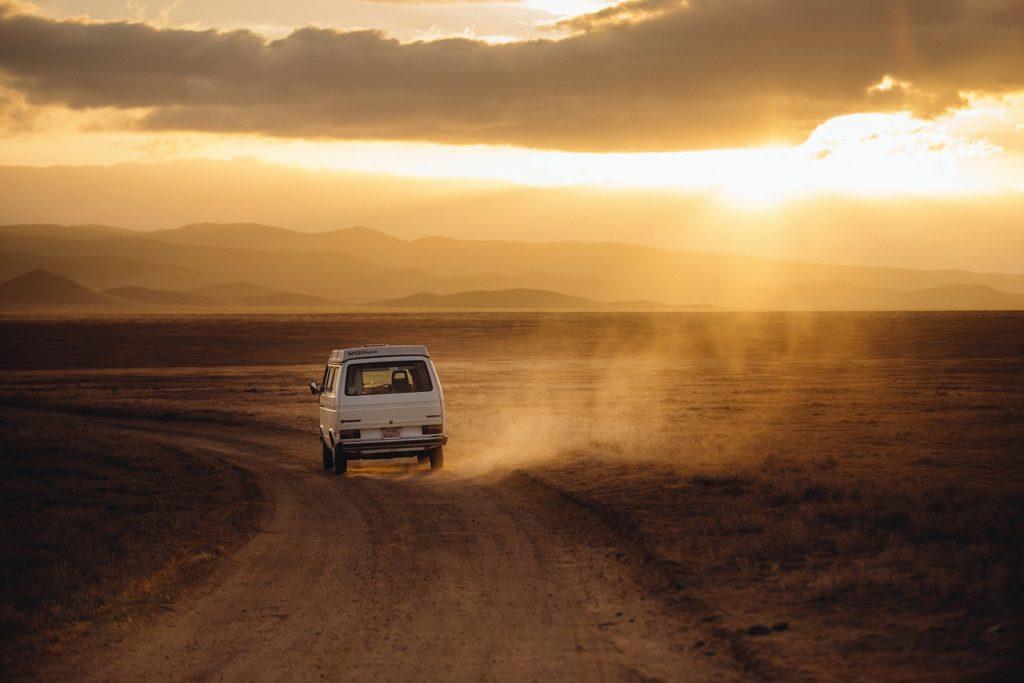 Off-Road oder auf der Straße: Mit dem Wohnwagen lassen sich weite Teile der USA bequem erkunden.