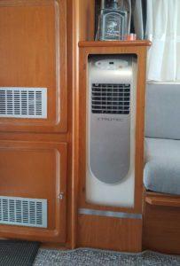Die Wohnwagen Klimaanlage Alternative: Mobile Klimanlage in die Einrichtung integriert.