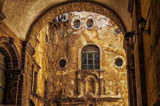 Typische Altstadt in sizilien - Barock trifft auf Antike