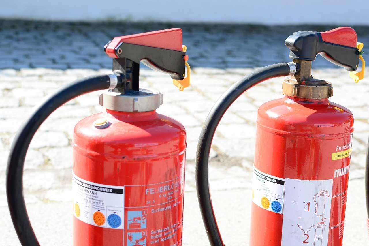 Bild von Feuerlöscher im Wohnmobil – Hier wird Brandschutz Pflicht