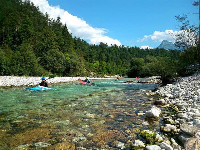 Aktivurlaub beim Slowenien Camping - Mit dem Kajak Flüsse und Seen erkunden.