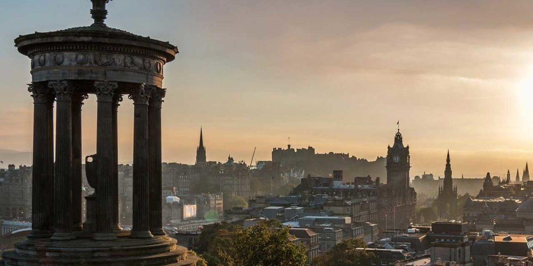 Beim Camping in Schottland sollte man unbedingt einen Tag oder mehrere in Edinburgh einplanen.
