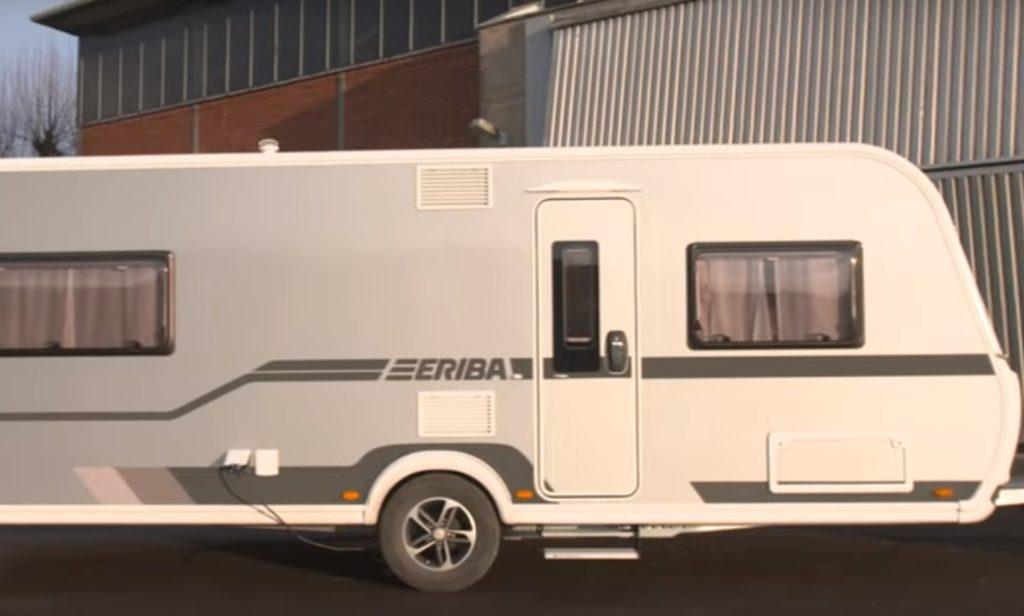 Eriba Nova 555