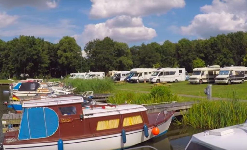 """Wohnmobil-Stellplatz """"Am Hafen"""" in Beerta / Niederlande"""